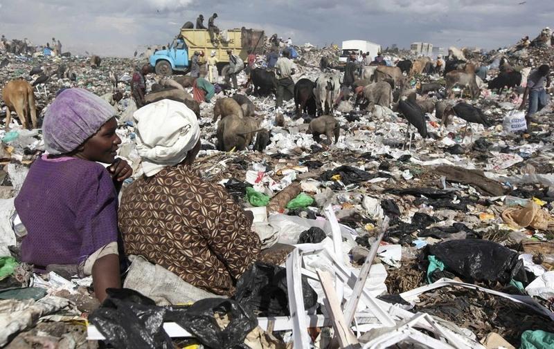 33.Фотография - REUTERS/Thomas Mukoya.
