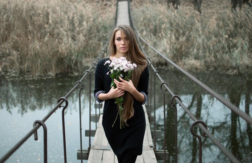 Фотографии девушек под мостом слова!