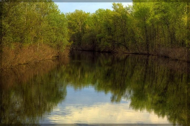 гриневская река фото одеты черное
