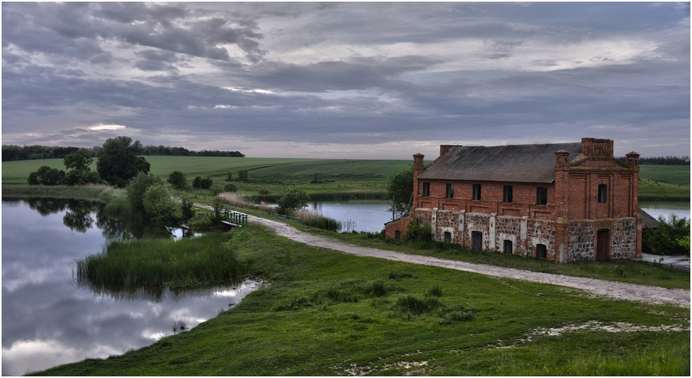 Фотография The house by the river / Aeromast / photographers.ua