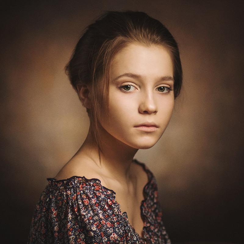 Portrait - 900×900
