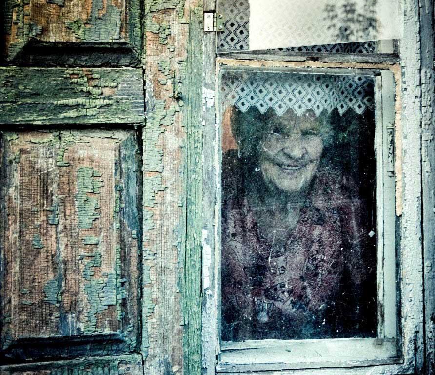 это картинки призраков в окне них это